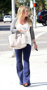 http://img223.imagevenue.com/loc1183/th_615817260_Hilary_Duff_out_in_Hollywood9_122_1183lo.jpg